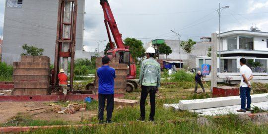 Giám sát ép cọc xây nhà phố ở Quận 9