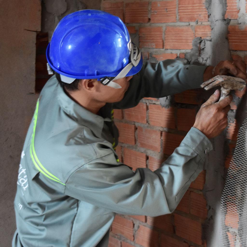 Thợ xây nhà chuyên nghiệp