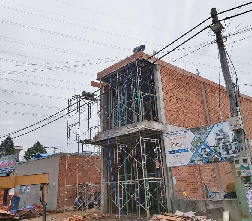 Hình ảnh thi công xây nhà phố tại Thuận An ngày 5-11-2019.