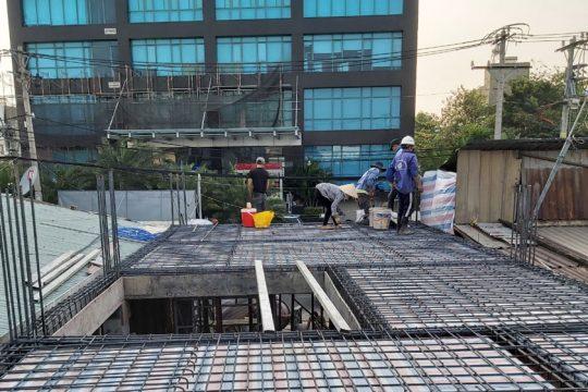 Hình ảnh thi công nhà 4 tầng ở Hiệp Phú.
